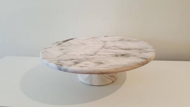 Marble Stand Medium